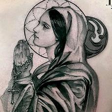 男士胸前圣母玛利亚纹身图案