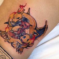 腰部神奇宝贝纹身图案