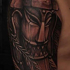 大臂石头人纹身图案