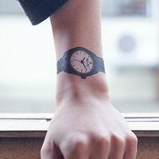 手腕个性的手表纹身图案