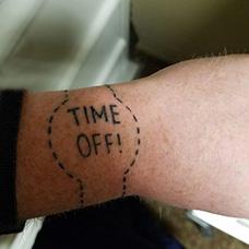 手腕缺失的手表纹身图案