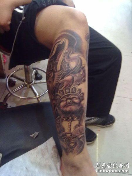 小腿帅气四大天王纹身图案