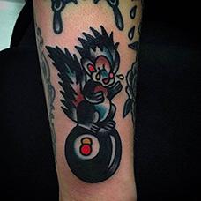 手臂创意松鼠纹身图片