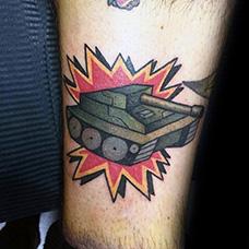 腿部卡通坦克纹身图案