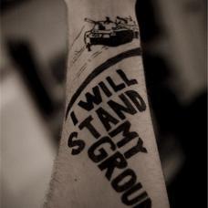 欧美男人手腕坦克纹身图案
