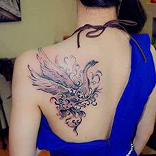 美女背部天鹅性感纹身图片