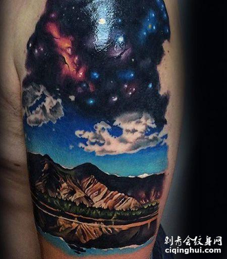大臂山脉蓝色天空纹身图案