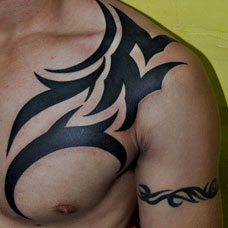 胸部图腾纹身图案
