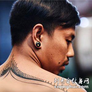 泰国帅气图腾后颈纹身