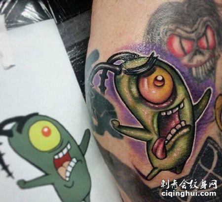 肩部个性豌豆纹身图案