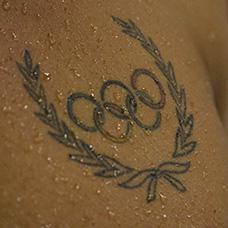 大臂五环标志纹身图案