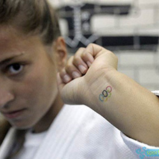 女运动员手腕五环纹身图案