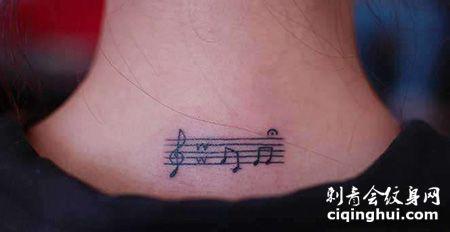 颈部五线谱纹身图案