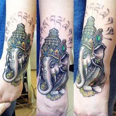 手腕上的象神纹身图片