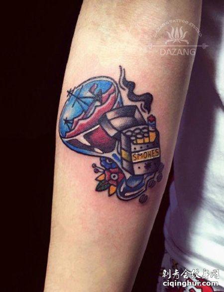 手臂一包香烟纹身图片