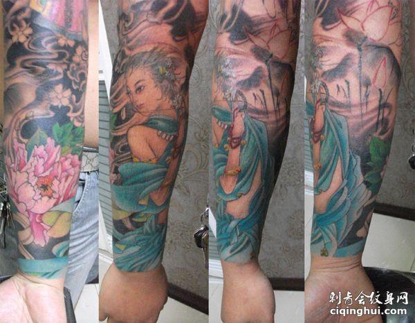 手臂仙女荷花纹身图案