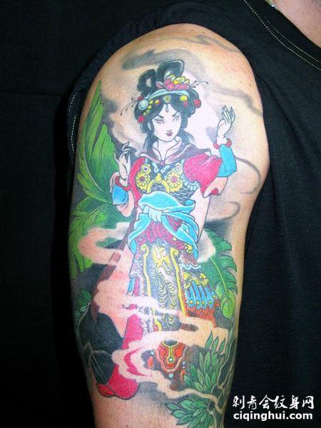 手臂仙女纹身图案