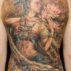 满背精美的仙女纹身图案
