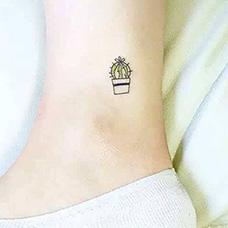 脚踝小清新仙人掌纹身图片