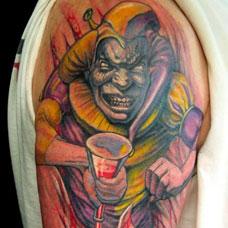 大臂血腥小丑纹身图案