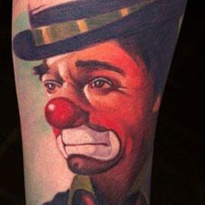 手臂美式小丑纹身图片