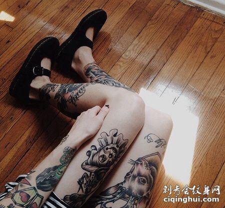 女生腿部小丑纹身,小丑和动物纹身图案