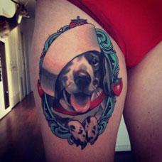 大腿小狗纹身图案