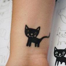 手腕可爱小猫咪纹身图案