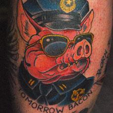 大腿猪头警官纹身图案