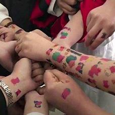 社会人手臂小猪佩奇纹身图案