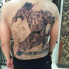 背部刑天纹身图案