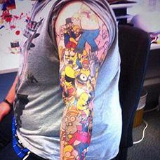 花臂辛普森一家纹身图案