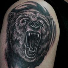 大臂帅气熊头纹身图案