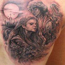 背部吸血鬼女孩纹身图案