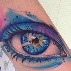 手臂妩媚的眼睛纹身图案