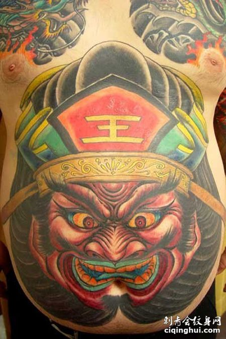 腹部彩色阎王纹身图案