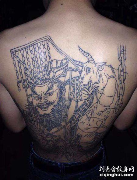 男士背部阎王纹身图案