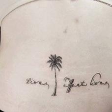 腰部椰树纹身图片