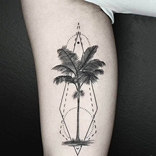小腿椰树几何纹身图片