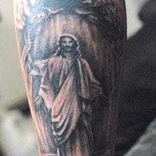 小腿耶稣纹身图案