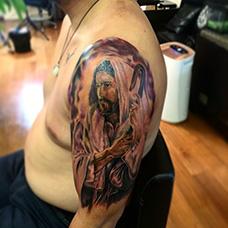 男士大臂耶稣纹身图案