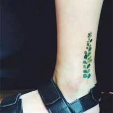 脚踝绿色叶子纹身图片