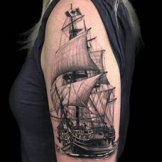 欧美女生大臂一帆风顺纹身图案