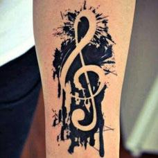 手臂个性音乐符号纹身图案