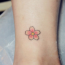 脚踝小清新樱花纹身图片