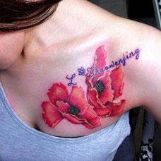 胸部彩色罂粟花纹身图案