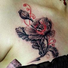 胸部个性罂粟花纹身图案