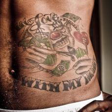 JR史密斯右腹部英文纹身