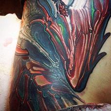 腰部异形纹身图案
