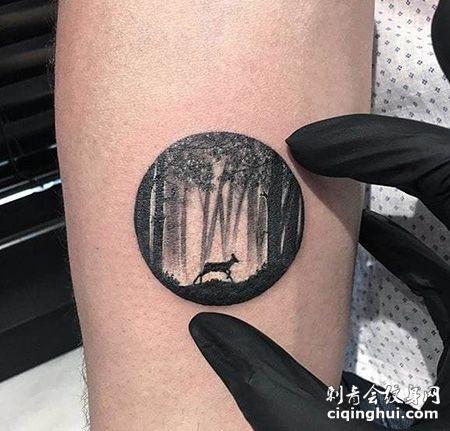 手臂森林圆形纹身图片